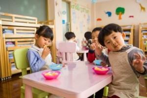 许多家长爱给孩子吃这种饭伤脾胃没养分今后别再吃了