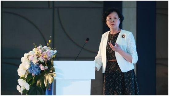 中国妇幼保健协会副秘书长宫露霞讲话