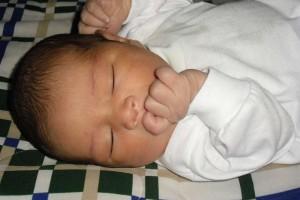 宝宝睡觉突然呛着咳嗽为什么宝宝睡觉会突然咳嗽
