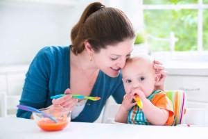 宝宝吃奶粉嘴巴周围红怎么回事喂养宝宝的注意事项